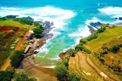 Lokasi Wisata Pantai Cicalobak
