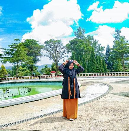 Harga Tiket Masuk Dan Rute Taman Bungan Nusantara