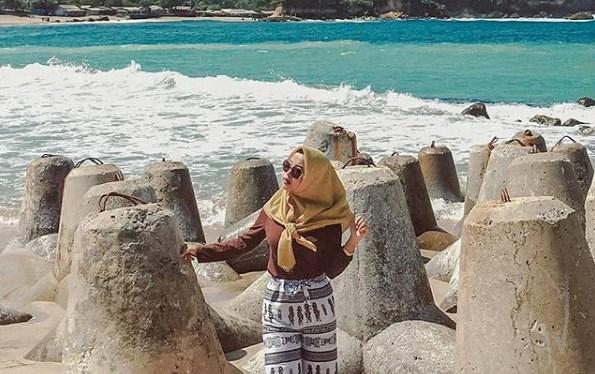 Pantai Tambakrejo, Foto, Lokasi Dan Harga Tiket Masuk