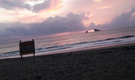 Pantai Ungapan, Wisata Keluarga Terfavorit Di Malang