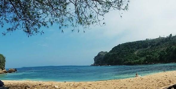 Pantai Pangi Blitar, Lokasi Dan Harga Tiket Masuk