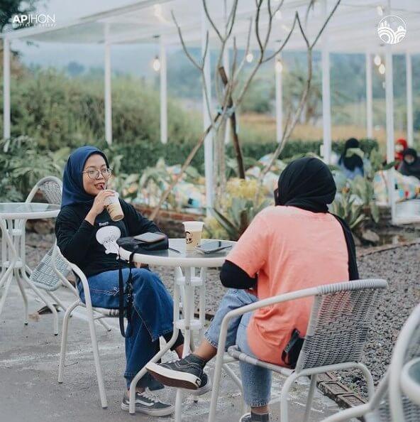 Apjhon Cafe Pandaan Pasuruan - Review, Lokasi dan Harga Menu