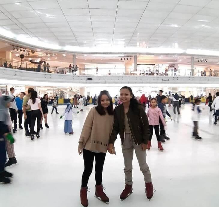 Ice Skating Taman Anggrek, Review Lokasi dan Harga Tiket
