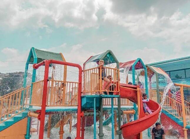 Kolam Renang Modernland Tangerang - Info Lokasi dan Harga Tiket Masuk