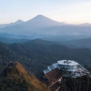 Tumpeng Menoreh Kulon Progo - Review Lokasi dan Harga Tiket Masuk